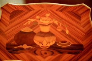 Essences de bois...dans le bois ! Détails d'une simple table...